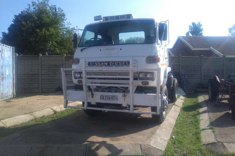 Truck Nissan Other Nissan Cm Single Diff Truck Tractor 0