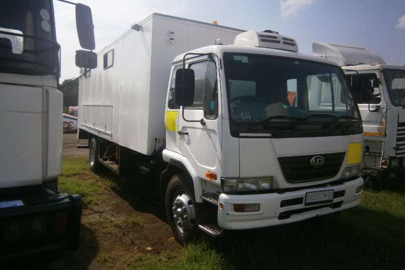 Nissan Other UD90 Truck