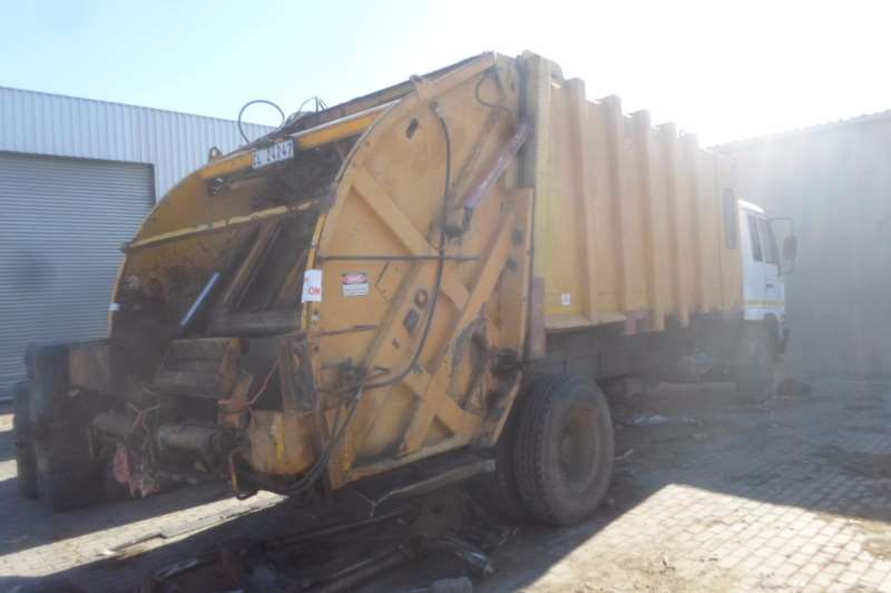 Nissan Refuse disposal Nissan UD95 Compactor Truck
