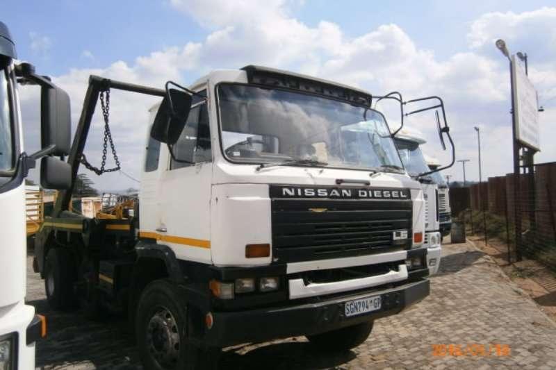 Nissan Skip bin loader CW45 Truck