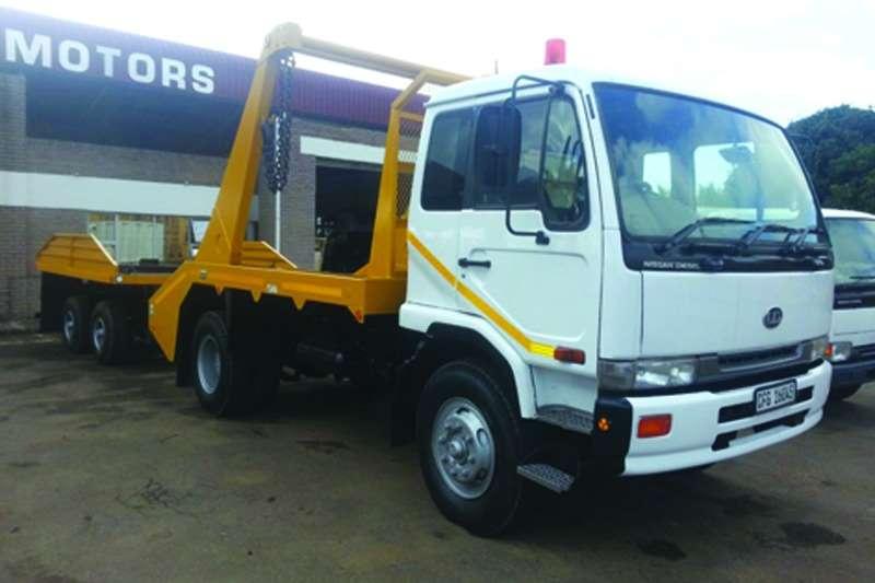 Truck Nissan Skip Bin Loader UD 90 2001