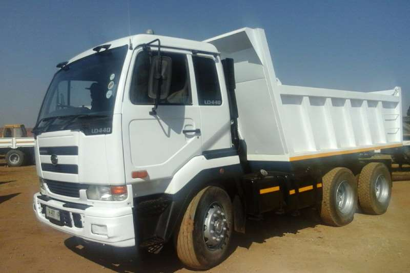 Nissan Tipper 10 CUBE UD 290. 2 AVAILABLE WITH NEW BIN AND HYDRA Truck