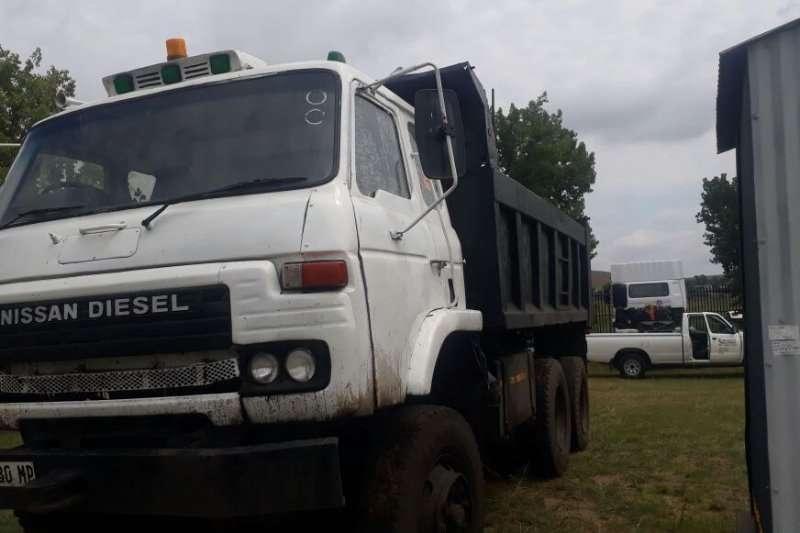 nissan diesel 10 cube ade407 turbo tipper truck trucks for sale in gauteng r 150 000 on. Black Bedroom Furniture Sets. Home Design Ideas