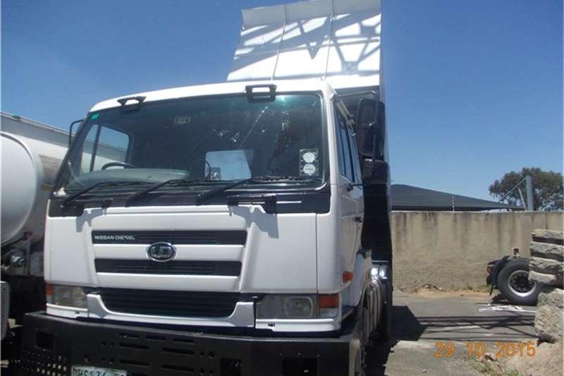 Nissan Tipper nisaan ud 440 10cube Truck