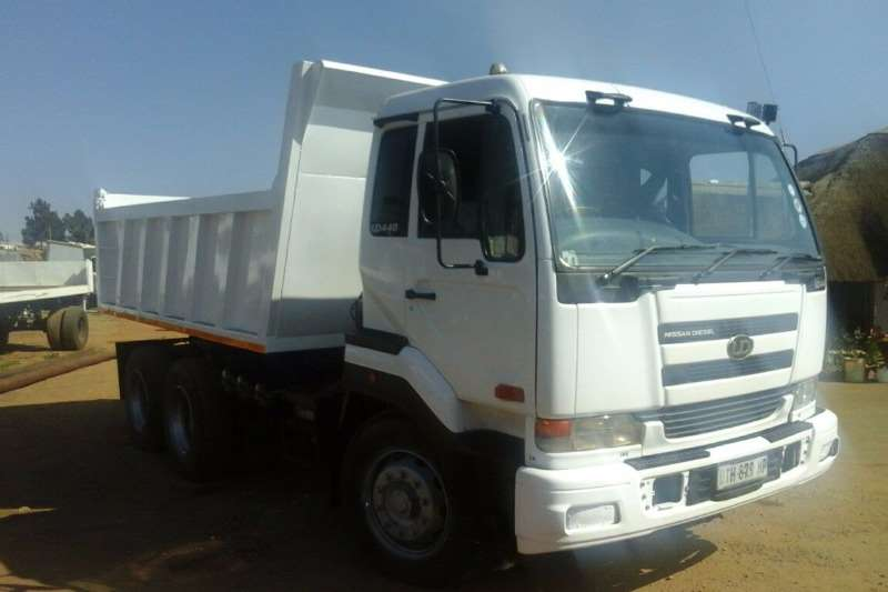 Truck Nissan Tipper NISSAN UD 440 .SOLD WITH ROADWORTHY 2006