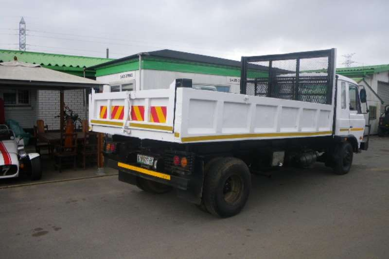 Nissan Tipping body Fully operational tipper truck Truck