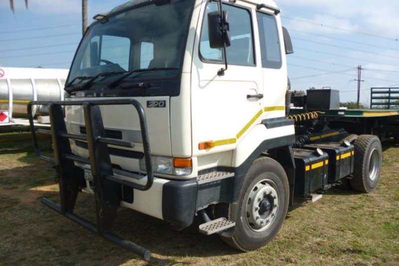 Nissan UD 290 TRUCK TRACTOR Truck