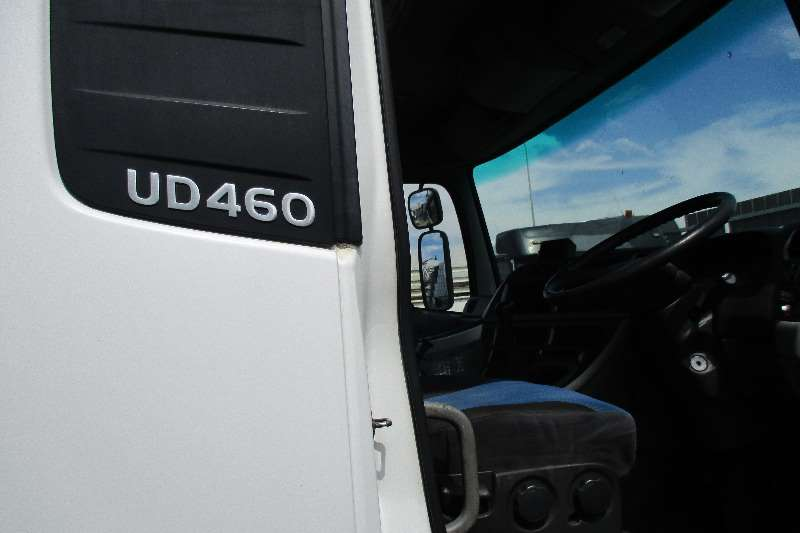 Nissan UD 460 Truck