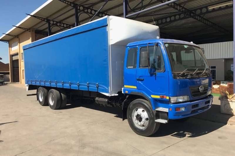 Truck Nissan UD100A 2011
