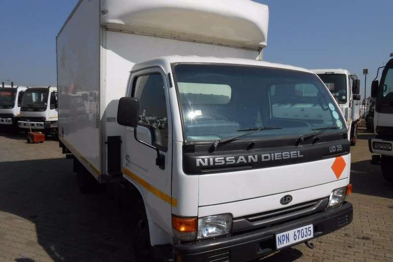 Nissan Van body NISSAN UD35 VAN Truck