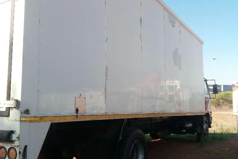 Nissan Van body UD90 V/V Truck