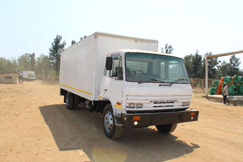 Nissan Volume body Nissan CM12 6 ton volume body Truck