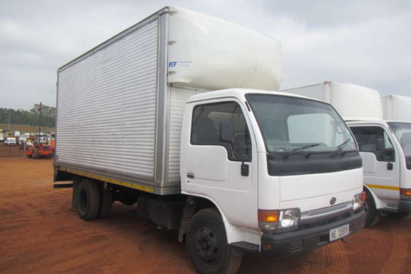 Nissan Volume body NISSAN UD40 CABSTAR VOLUME BODY Truck