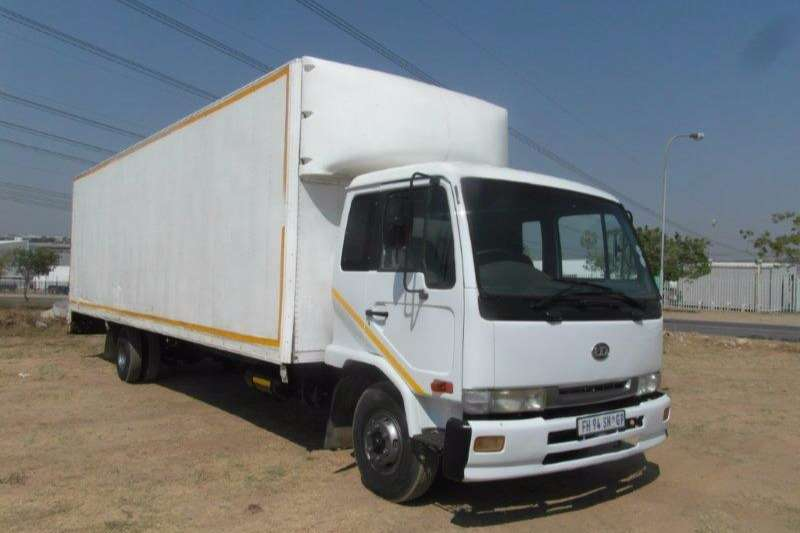 Truck Nissan Volume Body UD Volume Body 1999