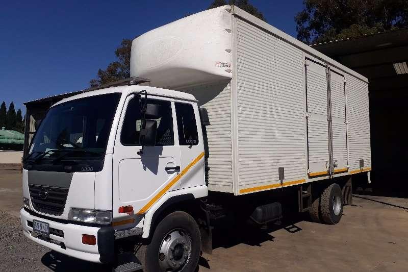 Truck Nissan Volume Body UD90 Volume Body 2006