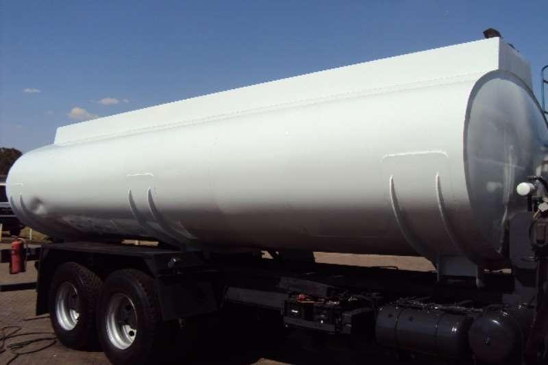 Nissan Water tanker UD 290 Truck