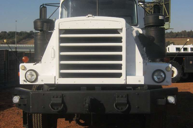 Other Mack 6x6 Truck