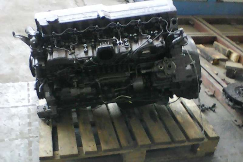 Other Other Isuzu 6HH1 Engine Truck