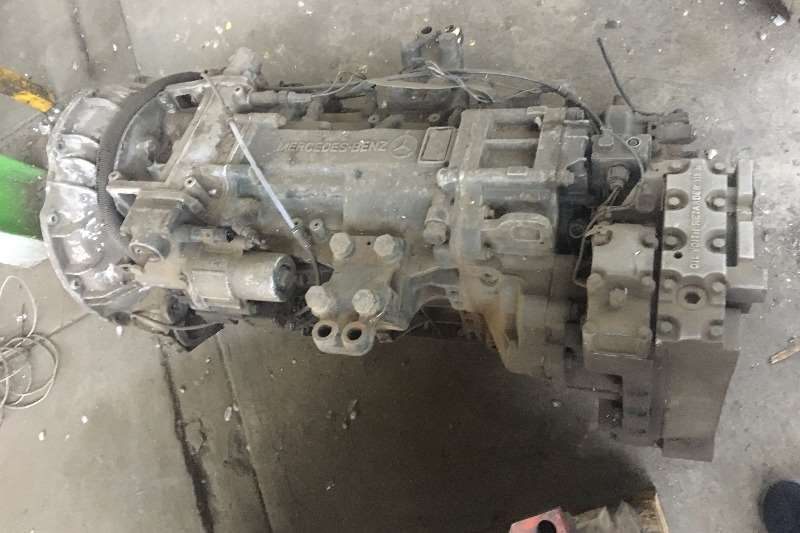 Other Other Mercedes G240 Gearbox Truck