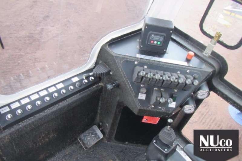 Other RHINO DTH CRAWLER BLAST DRILL RIG Truck