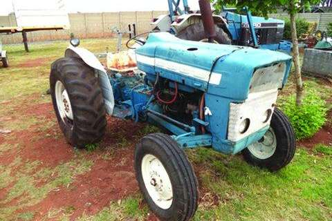 Other Tractor 4000- Truck