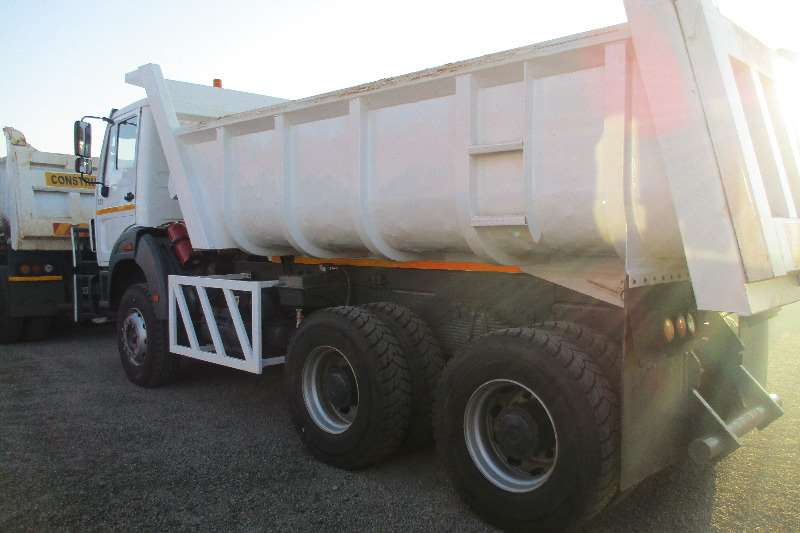 Powerstar 26-28 tipper Truck