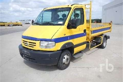 Truck Renault MASCOTT 110DCI  2004
