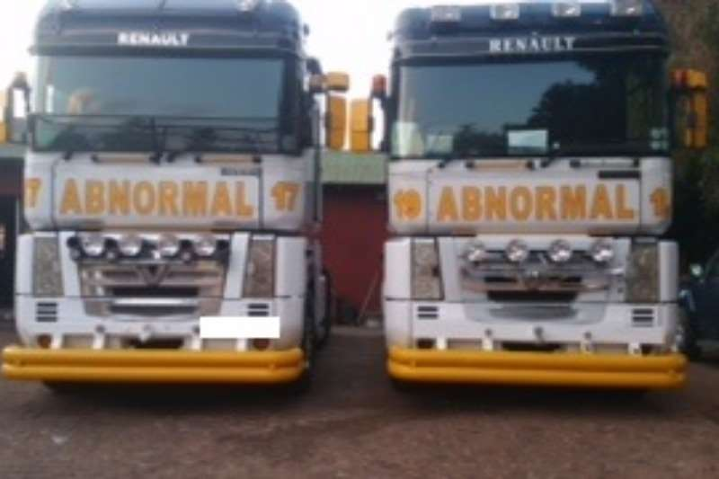 Truck Renault Used Renault with Lowbed Trailer Available 2003