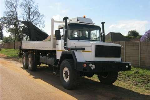 Samil 100 Crane Truck