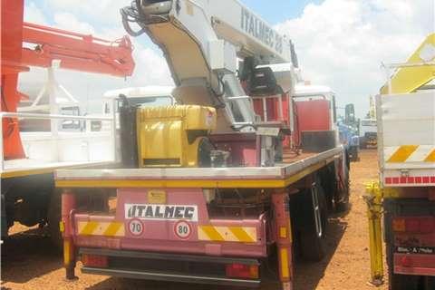 Samil Cherry picker Samil 50 Italmec crane  Truck