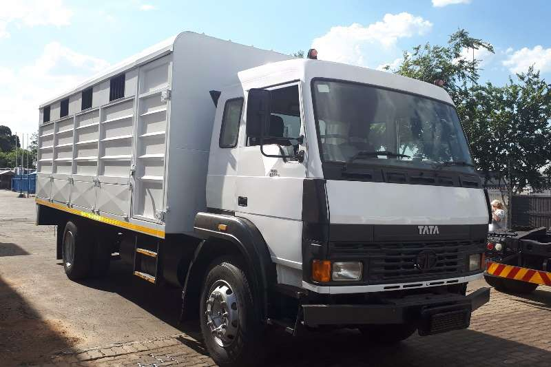 Tata Cattle body LPT1518  ANIMAL CARRIER WITH DROPSIDE FLAPS 8T Truck