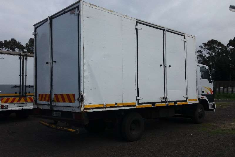 Tata Closed body 813 Ex2 Truck