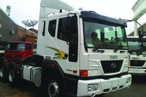 Tata Novus 7548 6x4 Truck Tractor- Truck
