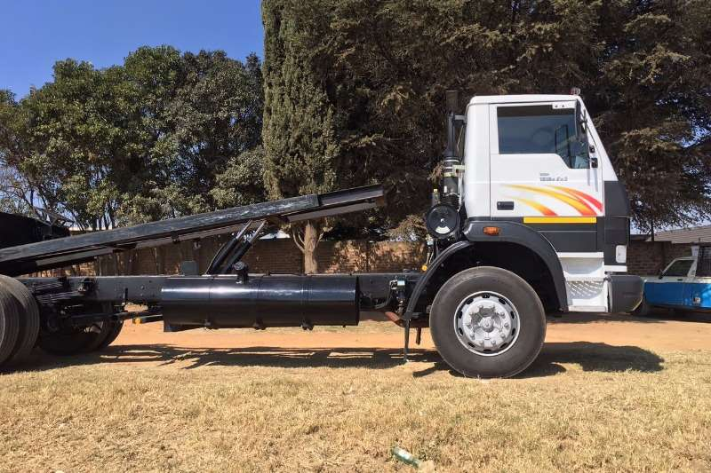 Tata Roll back 1518 Truck