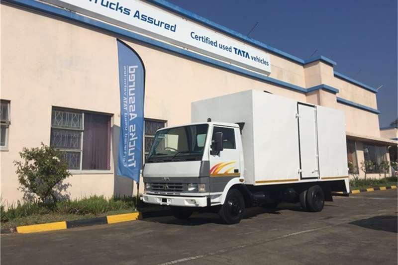 Tata Van body 2 x LPT 709 VAN BODY 3T Truck