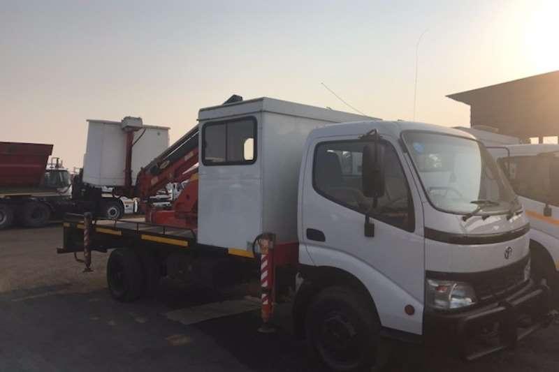 Toyota Cherry picker DYNA 7 145 CHERRY PICKER Truck