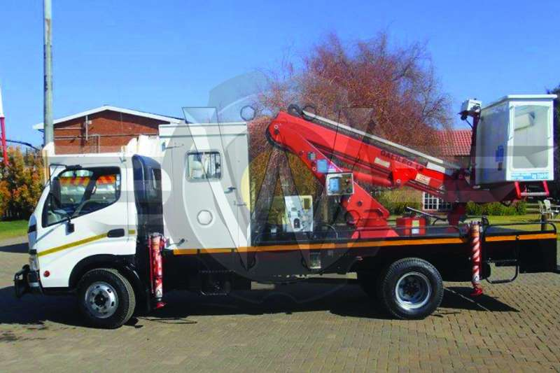 Toyota Cherry picker Dyna 7-145 fitted with Galileo 12 (11.5 height) Ch Truck