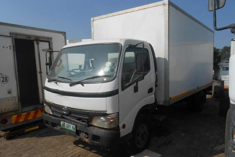 Truck Toyota Closed Body Dyna 8-145 2008