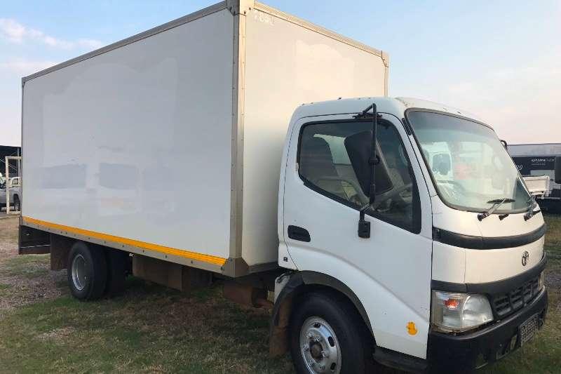 Toyota Closed body TOYOTA DYNA 7105 Truck