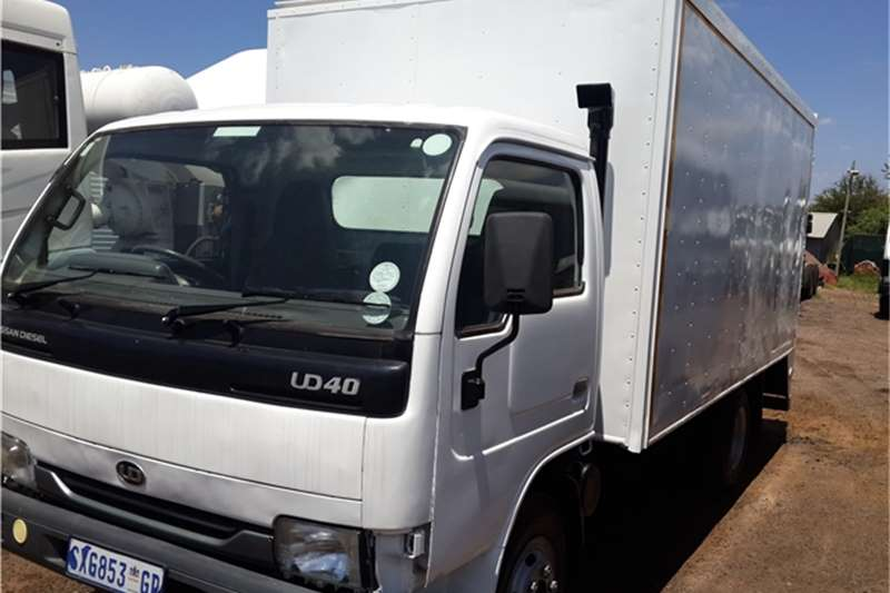 Toyota Closed body UD 40  Truck