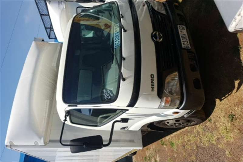 Truck Toyota Compactor Closed Body HINO 300 2011