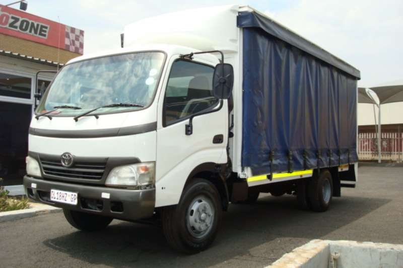 Toyota Curtain side 2009 TOYOTA DYNA TAUTLINER Truck