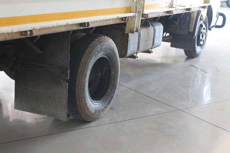 Toyota Dropside DYNA 5-104 2.5 TON F/C C/C 4 CYL 4009 CC 77KW Truck