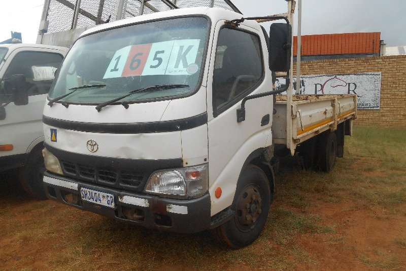 Toyota Dropside Dyna dropside very good working condition Truck