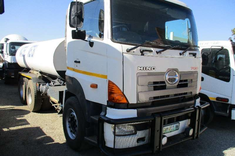 Truck Toyota Hino 57-450 Water Bowser 2007