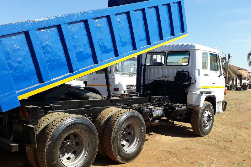 Toyota Tipper HINO SUPER DOLFIN  FOR SALE 10 CUBE Truck