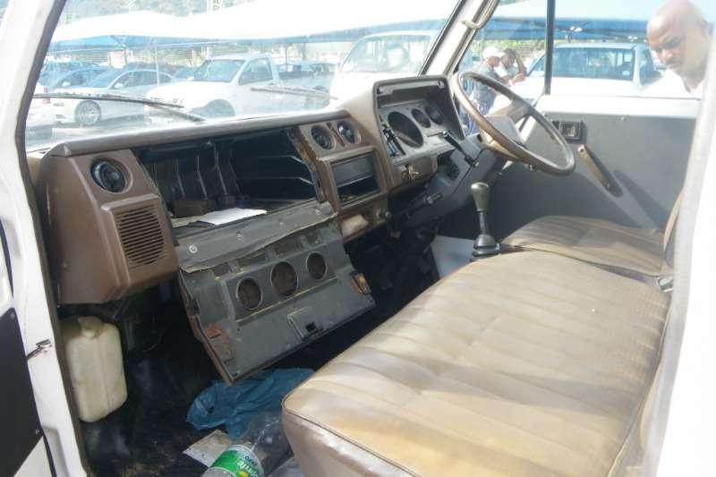 Toyota Van body Dyna 2.5ton Truck