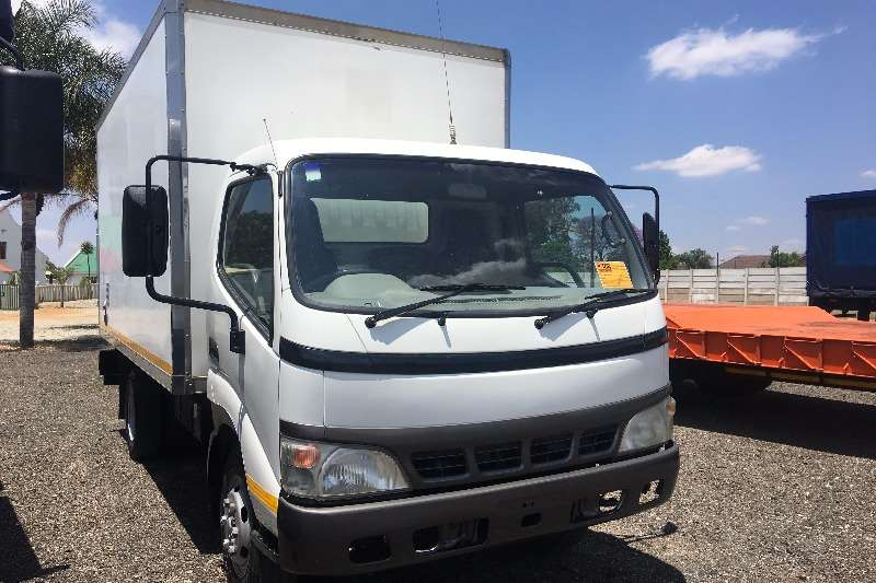 Toyota Volume body Dyna 6 104 3.5Ton Volume Body Truck