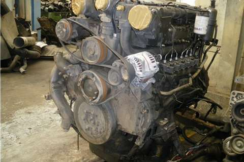 DAF CF85 430 Engine Truck-Tractor