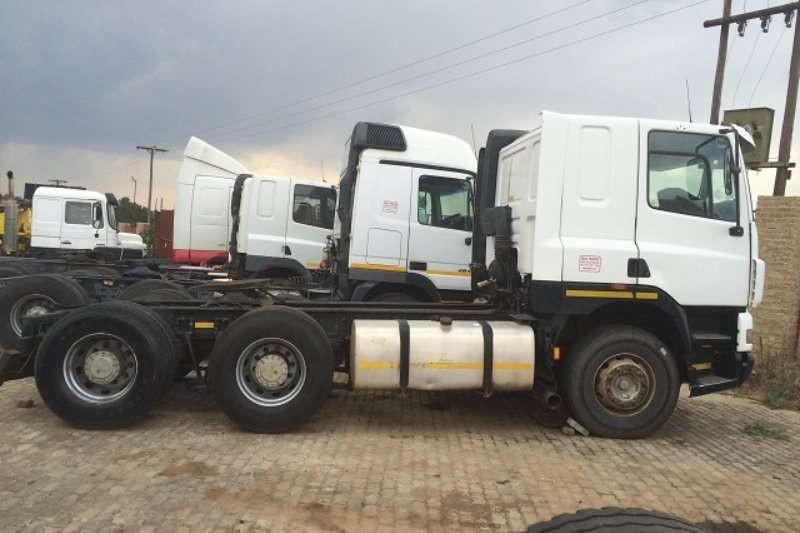DAF  double axle 85CF430 Truck-Tractor